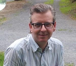 Stian M. Eriksen er mannen bak Indre Østfold Senior Service